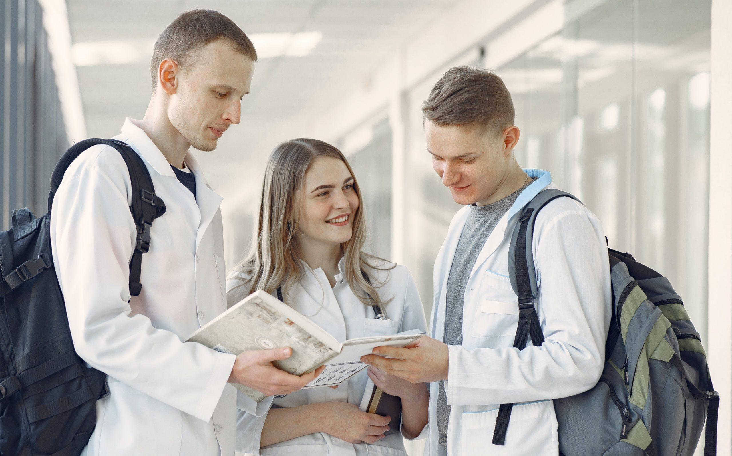 group-of-medical-students-at-the-hallway-3985162crop