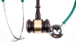 stethoscope-and-gavel-1462000889OmN-crop